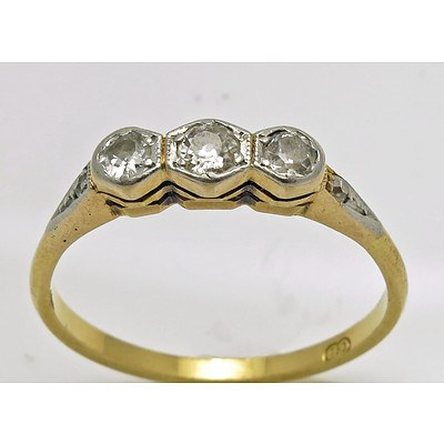 Vintage 3 stone Diamond Ring