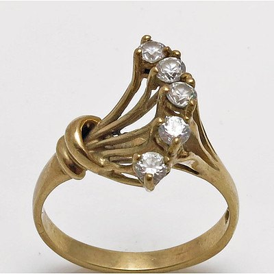 Vintage CZ Ring fan shaped - 9ct Gold