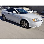 4/2002 Hyundai Tiburon   2d Coupe White 2.0L