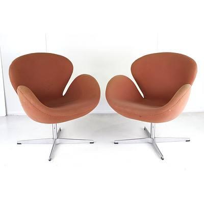 Pair of Replica Jacobsen Swan Chairs