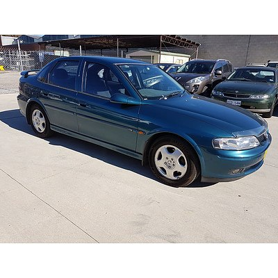 4/2001 Holden Vectra CD JSII 4d Sedan Green 2.2L