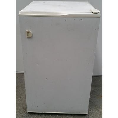 Westinghouse 120 Litre Upright Freezer