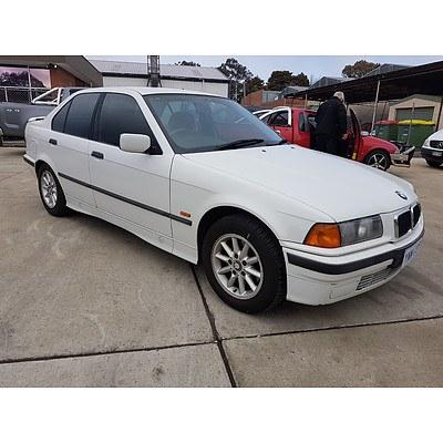 5/1997 BMW 318i  4d Sedan White 1.8L