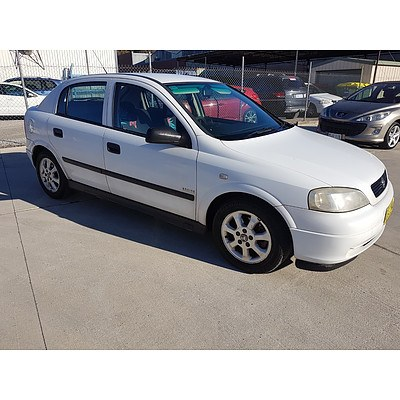 3/2005 Holden Astra Classic Equipe TS MY05 5d Hatchback White 1.8L