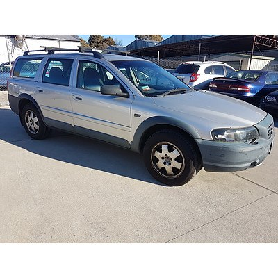 3/2004 Volvo XC70 Cross Country  4d Wagon Silver 2.5L