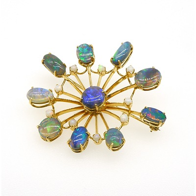 18ct Yellow Gold Spiders Web Style Opal Brooch with Good 'Play of Colour'