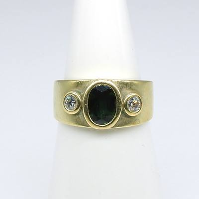 18ct Yellow Gold Ring With Oval Facetted Green Sapphire on Either Side Round Brilliant Cut Diamonds