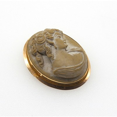 14ct Yellow Gold Pumice Stone Cameo Brooch