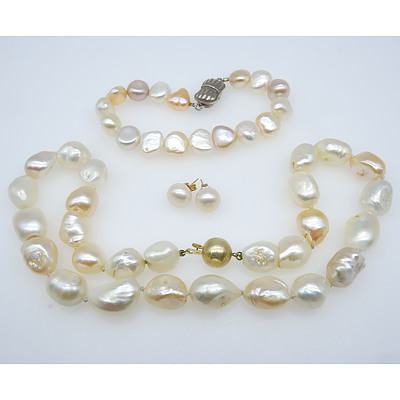 Strand of Fresh Water Pearls with Matching Bracelet and Earrings