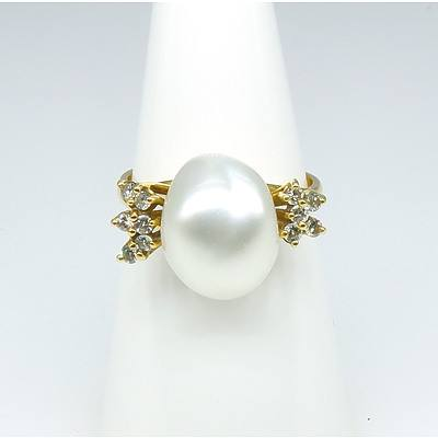 18ct Yellow Gold South Sea Baroque Pearl with Eleven Round Brilliant Cut Diamonds