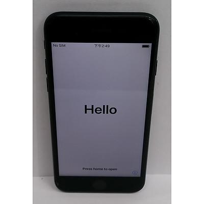 Apple (A1778) 4.7-Inch GSM Black 128GB iPhone 7