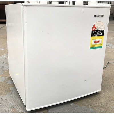 Samsung SRG059 49Litre Bar Fridge