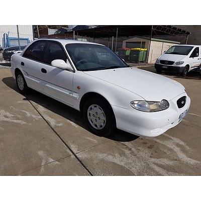 3/1997 Hyundai Sonata GLE  4d Sedan White 2.0L