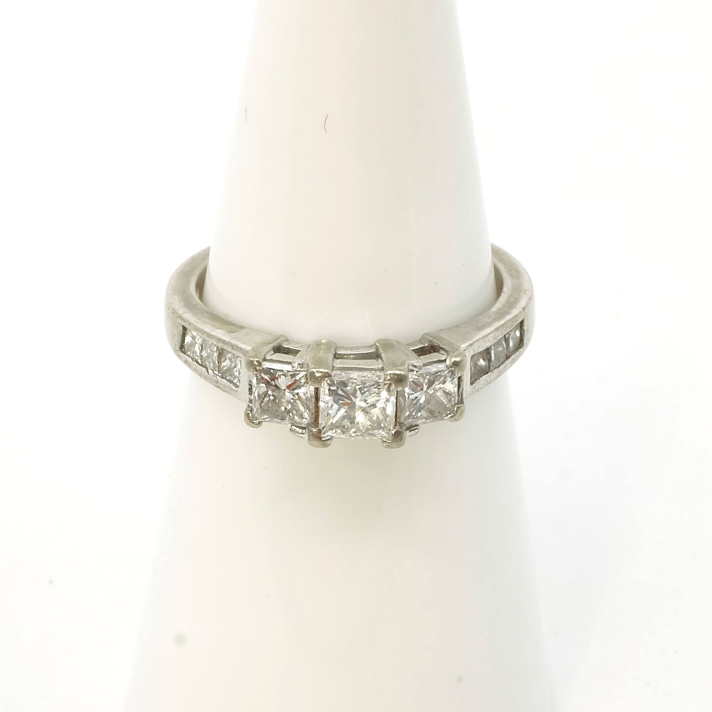 '18ct White Gold Ring with at Centre One 0.34ct Princess Cut Diamond with One 0.22ct Diamond Either Side, 3.6g'