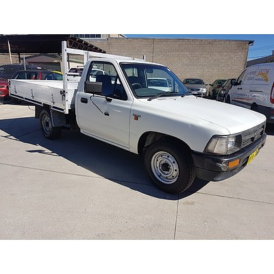3/1997 Toyota Hilux C/chas White 1.8L