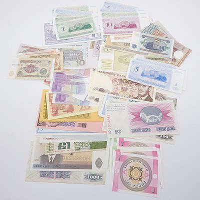 Large Group of Banknotes From Poland, Romania, Belgium, Ireland, Tajikistan, and More