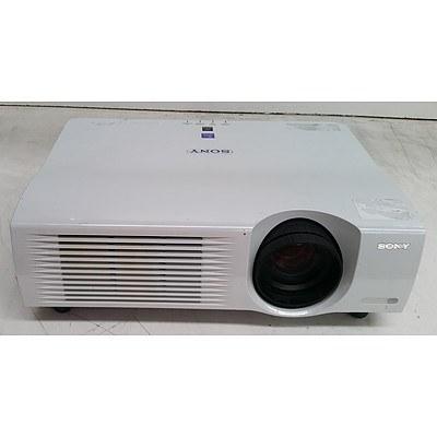 Sony (VPL-PX35) XGA 3LCD Projector