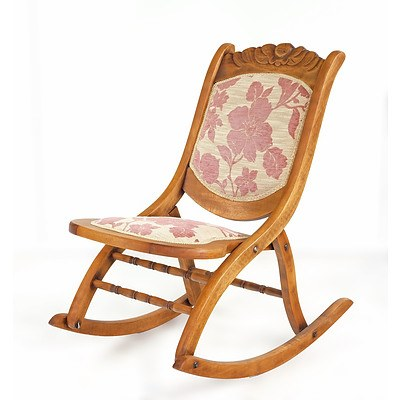 Early 1900s American Maple Rocking Chair