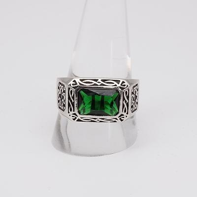 Sterling Silver Gentleman Ring with Green Paste