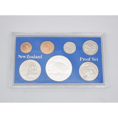 "1982 New Zealand Proof Coin Set - Features Silver ""Takahe"" One Dollar Coin"