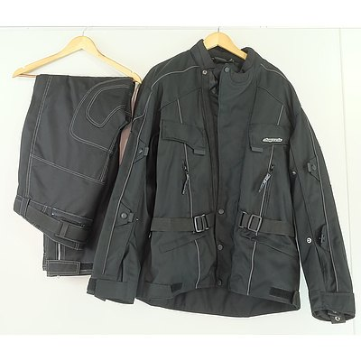 Men's Motorbike Ensemble Including 3XL RK Sports Jacket and Pants and Pair of XXL Daytona Motorbike Gloves