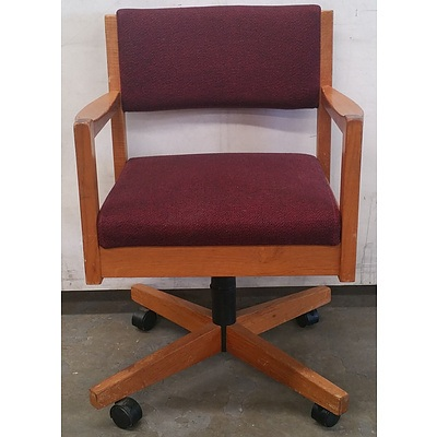 Doerner timber office chair - Lot Of 4
