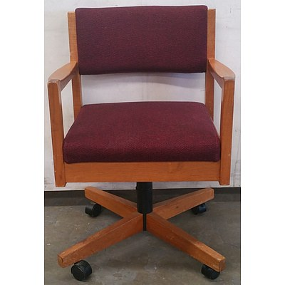 Doerner timber office chair - Lot Of 8