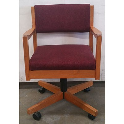 Doerner timber office chair - Lot Of 14