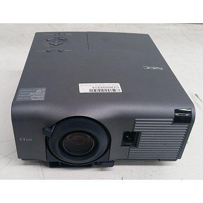 NEC VT440K SVGA 3LCD Projector