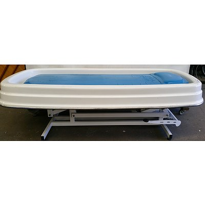 Cosmopro Hydraulic Wet Treatment Bed