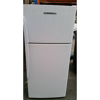 Fisher and Paykel E331T Top Mount Fridge/Freezer