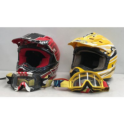 Motorcross Helmets & Matching Goggles x2