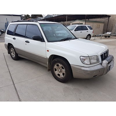 7/2001 Subaru Forester Limited MY01 4d Wagon White 2.0L