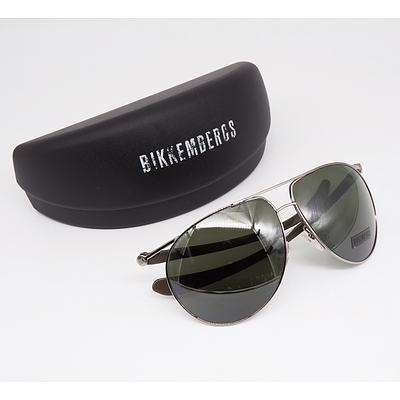 Bikkembergs Sunglasses with Case