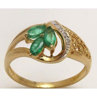 14ct Gold Emerald & Diamond Ting