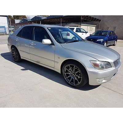 4/2000 Lexus Is200  GXE10R 4d Sedan Silver 2.0L