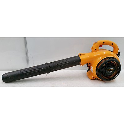 McCulloch M325 Leaf Blower Made in USA