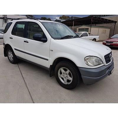 3/1999 Mercedes-Benz Ml 320 Luxury (4x4)  4d Wagon White 3.2L
