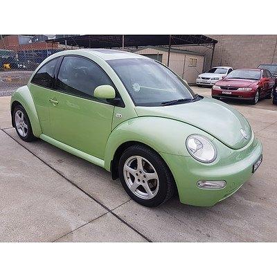 10/2000 Volkswagen Beetle 2.0 9C 3d Hatchback Green 2.0L