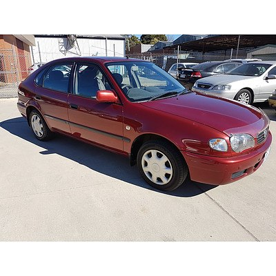 12/2000 Toyota Corolla Ascent SECA AE112R 5d Liftback Red 1.8L