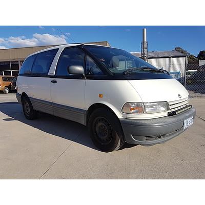 11/1996 Toyota Tarago Advantage TCR10R 3d Wagon White 2.4L