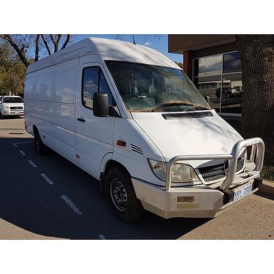 4/2003 Mercedes-Benz Sprinter 313 CDI LWB Van White 2.2L
