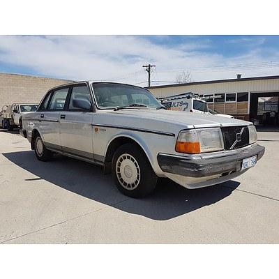 3/1989 Volvo 2 40 GL  4d Sedan Silver 2.3L