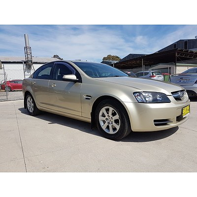 7/2008 Holden Commodore Omega VE MY08 4d Sedan Gold 3.6L