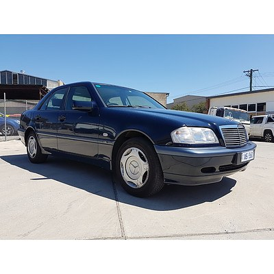 5/1998 Mercedes-Benz C180 Classic W202 4d Sedan Blue 1.8L