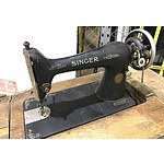 Antique 1936 Singer Sewing Machine with Table