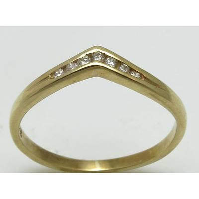 9Ct Gold Diamond-Set Vee Ring