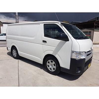 08/2017 Toyota Hiace LWB TRH201R 4d Van White 2.7L