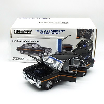 Classic Carlectables - Ford XY Fairmont Grand Sport Onyx Black 245/600 1:18 Scale Model Car