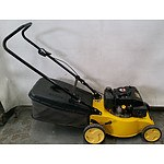 Sanli LCS400 4-Stroke Lawnmower and Catcher